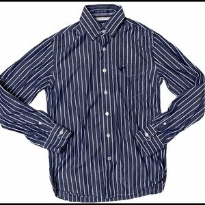 American Eagle • Button-Up • Men's XS